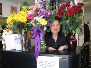 Eleen and roses at Queen't beauty house